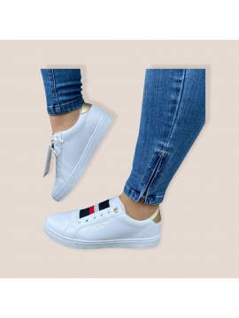 TOMMY HILFIGER LADIES WHITE LEATHER TRAINER
